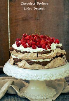 Chocolate Pavlova, Chocolate Cakes, Romanian Desserts, Homemade Chocolate, Sweets Recipes, Something Sweet, Baked Goods, Sweet Treats, Deserts