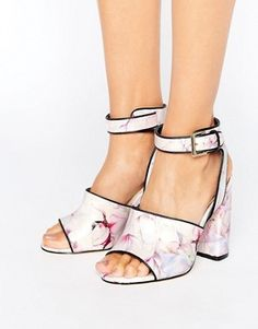 Search: sandals - Page 10 of 33   ASOS