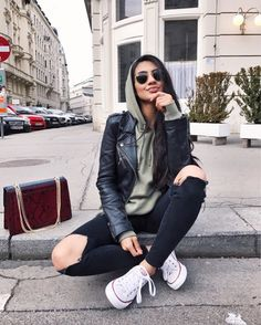 Jean Jacket outfits – Page 2739434401 – Lady Dress Designs Androgynous Fashion, Tomboy Fashion, Winter Fashion Outfits, Fall Winter Outfits, Classy Outfits, Trendy Outfits, Sporty Tomboy Outfits, Lesbian Outfits, Jean Jacket Outfits