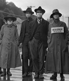 Photo from the 1918 Spanish flu pandemic. Old Pictures, Old Photos, Vintage Ads, Vintage Photos, Caricatures, Flu Epidemic, Women In History, Poses, History Facts