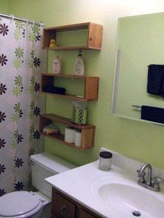 Kids bathroom ideas: DIY Design Community Great storage idea without blocking access to toilet tank or looking too bulky for small bathroom Diy Design, Ideas Baños, Ideas Para, Diy Casa, Diy Bathroom Remodel, Bathroom Ideas, Kitchen Remodel, Diy Storage Ideas For Small Bathrooms, Redo Bathroom