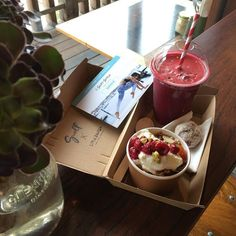 On your way to the #ripcurlpro? Swing by Swell Cafe and grab yourself a #littlebantambreakybox.  You get  Hot drink (yes includes coffee) Juice or Smoothie a Protein Power Ball House Muesli Berries yogurt.  Up for grabs is 3 FREE 1 year membership to SURFSTYLETRAINING.COM.AU each day this Easter weekend. @littlebantamsurftrainer #janjuc #greatoceanroad #surfcoast #bellsbeach #swellcafe by swell_cafe