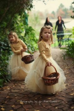 Oh my gosh! I don't even want flower girls, but if i do have them, these are too cute! Golden Flowergirl Dresses Autumn Wedding