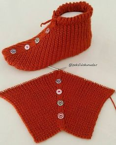 Crochet Motif, Crochet Stitches, Knit Crochet, Crochet Patterns, Knitting Paterns, Knitting Socks, Baby Knitting, Knitted Slippers, Crochet Slippers