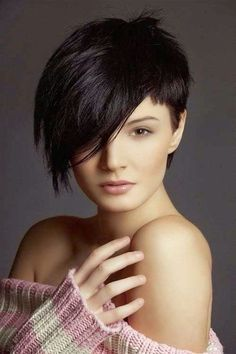 Funky hairstyles are for daring girls who can carry these hairstyles with ease and comfort. Funky hairstyles for girls can also be great if you are a party animal. 2015 Hairstyles, Funky Hairstyles, Hairstyles For Round Faces, Medium Hairstyles, Medium Haircuts, Elegant Hairstyles, Wedding Hairstyles, Asian Hairstyles, Fringe Hairstyles