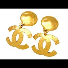 Vintage RARE CHANEL Dangle earrings Barely worn CHANEL Jewelry Earrings