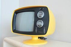 Philco Televisions, Tvs, Vintage Tv, Vintage Shops, Vintage Television, Tv Sets, Box Tv, Boombox, Space Age