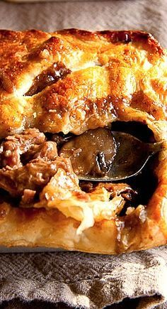 Mmm, Who doesn't like a bubbling hot pot pie right from the oven. Simply Delicious shares a recipe for pot pie made with steak and mushrooms. Think Food, I Love Food, Food For Thought, Good Food, Yummy Food, Steak And Mushrooms, Stuffed Mushrooms, Steak And Mushroom Pie, Mushroom Stew