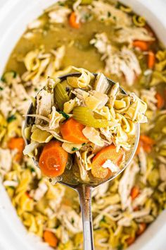 When you are after a big bowl of comfort, nothing beats chicken noodle soup, and when it's made in the Crockpot, it's so effortless! Delicious, hearty, and most importantly, easy! Easy Chicken Recipes, Best Crockpot Chicken, Easy Soup Recipes, Slow Cooker Chicken, Chicken Noodle Soup, Big Bowl, Confort Food, Crock Pot Soup, Creamy Chicken