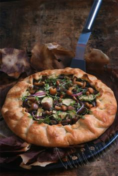 Galette with chicken livers, mushrooms, zucchini and caramelized onions