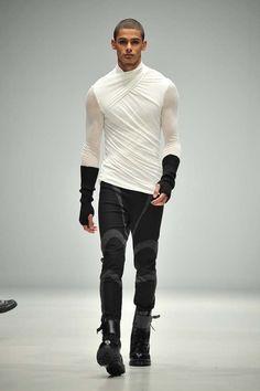 Men's Fashion Eryck Laframboise walks for Ezra Constantine autumn/winter Looks Pinterest, Mode Alternative, Cool Outfits, Fashion Outfits, Fashion Ideas, High Fashion, Womens Fashion, Future Fashion, Men Looks