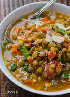 Spinach & Lentil Soup Recipe - Vegan & gluten free soup with green lentils, spinach & diced tomatoes. Perfect for Meatless Mondays. Healthy Recipes, Healthy Soup, Veggie Recipes, Vegetarian Recipes, Healthy Eating, Cooking Recipes, Vegan Soup, Vegetarian Soup, Salad Recipes