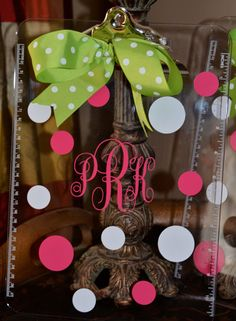 DIY vinyl Monogram Clipboard Kit..this would be great to make as a teacher gift with my silhouette!
