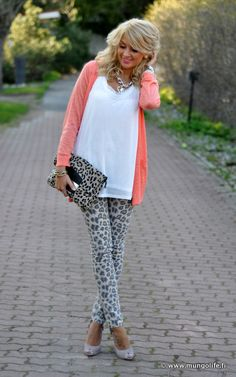 i dont think i could pull of leopard print pants but i love this outfit