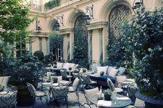 ΤΟ ΠΑΡΙΣΙ ΤΗΣ ΚΑΡΔΙΑΣ ΜΟΥ | Γαλλία | A Luxury Travel & Lifestyle Blog by…
