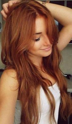 i wish wish wish i could have this colour and type of hair, so beautiful… Layered Red Hairstyle