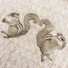 Embroidery squirrel heart りすはぁ〜とできました あと少し飾り付けをして、 ハンドバッグにする予定です(^o^)/ #handmade #DIY #embroidery #ハンドメイド #broderie #刺繍 #вышивка #イラスト #자수 #squirrel #りす
