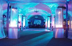 Love that the blue lights have waves like water. I don't know whether an aquarium venue would be more elegant or a having a projection of water and fish.