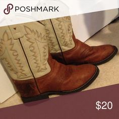 100% Leather Cowgirl Boots! 100% leather boots. Great for Halloween or just walking around! Extremely well made. Great condition just a few minor scuffs. Selling because they don't fit me and aren't really my style. Inquired are welcome, feel free to ask questions! Shoes Ankle Boots & Booties