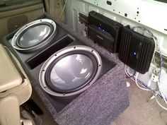 Jake fit an amazing sound system into his 2001 Ford Supercab F-150 with gear from Crutchfield. #F-150 #Kenwood
