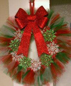 Tutu Chrismas Wreath.. pretty. More