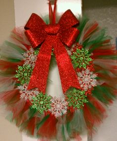Tutu Chrismas Wreath.. pretty.