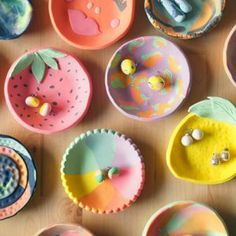 Learn to make your very own colourful ring dishes with polymer clay. Led by designer & maker, Therese Lyons of Ena & Albert. Polymer Clay Ring, Polymer Clay Crafts, Polymer Clay Magnet, Pottery Painting, Pottery Art, Kids Clay, Clay Crafts For Kids, Keramik Design, Clay Art Projects