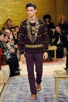 It was said that Karl Lagerfeld almost hosted this year's Paris Byzance-themed Chanel Pre-Fall 2011 fashion show in Istanbul - Instead, K. Coco Chanel, Chanel Men, Chanel 2015, Chanel Paris, Paris Fashion, High Fashion, Fashion Show, Mens Fashion, Knit Fashion