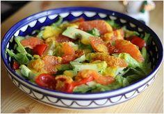 appelsiinejahunajaa: Talvinen salaatti porkkanakastikkeella
