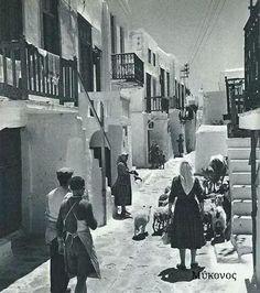 Μυκονος Old Time Photos, Old Pictures, World Famous, Sandy Beaches, Mykonos, Photographers, Greece, Places To Visit, Island