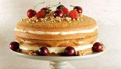 Naked Cake: de Nozes com Recheio de Creme de Confeiteiro e Brigadeiro de Caramelo. o bolo do momento! Sweet Recipes, Cake Recipes, Bolos Naked Cake, Cake & Co, Food Cakes, Yummy Cookies, Love Is Sweet, Bakery, Deserts