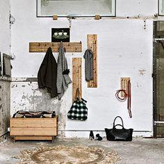 Kapstok Scoreboard Verticaal - Moso Bamboo - - We do Wood Design Shop, Deco Design, Plastic Hangers, Wooden Hangers, Garderobe Design, Moso Bamboo, Wood Images, Bamboo Design, Sustainable Furniture