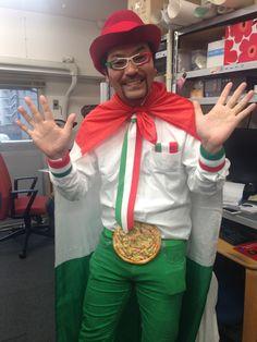 先日の衣装から少~し変化があります☆ はい!!!その通り!!!ネクタイです(笑)ビシッとかっこよく決まったイタリアを愛してやまないカルパッチョさん♪良くお似合いです(●´ω`●)