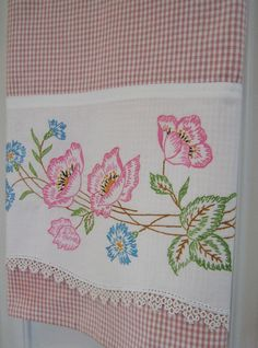 Recycled Vintage Pillowcase to Upcycled Tea Towel - Spring Fling - Homespun Home Decor Embroidery Transfers, Hand Embroidery Patterns, Vintage Embroidery, Cross Stitch Embroidery, Embroidery Designs, Embroidery Thread, Vintage Crafts, Vintage Sewing, Vintage Linen