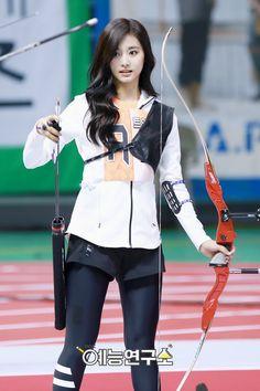 Pictures That Prove You Just Can't Take Bad Photos Of Tzuyu - Koreaboo Archery Girl, Chou Tzu Yu, Tzuyu Twice, Tsuyu, Asian Celebrities, Female Poses, Beautiful Asian Women, Sport Girl, Dahyun
