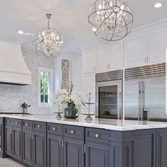Luxury kitchen enhancementsIt's just all-natural to wish to include some luxury products to your kitchen style. Luxury Kitchen Design, Luxury Kitchens, Home Kitchens, Small Kitchens, Home Decor Kitchen, Kitchen Interior, New Kitchen, Kitchen Ideas, Kitchen Grey