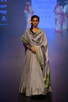 Gaurang at Lakmé Fashion Week winter/festive 2018 Pakistani Wedding Outfits, Pakistani Dresses, Indian Dresses, Kurti Designs Party Wear, Kurta Designs, Indian Attire, Indian Outfits, Indian Clothes, Indian Party Wear
