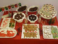 Christmas dessert table Christmas Snacks, Christmas Parties, Christmas Cooking, Xmas Party, Christmas Goodies, Christmas Wedding, Christmas Holidays, Holiday Ideas, Christmas Ideas