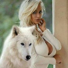 Classy Sexy Outfits, Dressy Casual Outfits, Egypt Tattoo, Wolves And Women, Digital Art Fantasy, Wolf Spirit Animal, Long Gray Hair, Wolf Love, Beautiful Wolves
