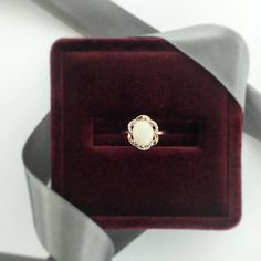 This vintage opal ring in 10KT rose gold is everything! #bridaljewelry #opal #vintagejewelry #vintagering #rosegold