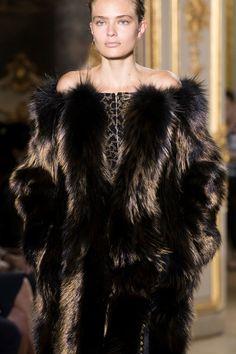J. Mendel at Couture Fall 2016 - Details Runway Photos