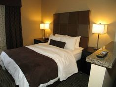 Get the best value for your money and make the most of your Okanagan vacation with the Best Western Plus Wine Country. Country Hotel, Hotel Suites, Best Western, Wine Country, Bed, Furniture, Home Decor, Homemade Home Decor, Stream Bed