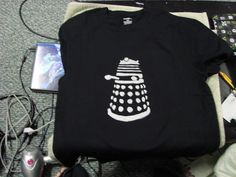 Super Geeky Dr Who T Shirts For My Boyfriend   •  Free tutorial with pictures on how to paint a t-shirt in under 30 minutes
