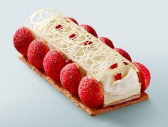 Bûche Saint-Honoré fraise, fraise des bois - Elle & Vire Professionnel