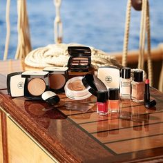 Chanel Les Beiges Summer Glow 2020 Campaign Chanel Beauty, Beauty Makeup, Chanel Les Beiges, Summer Glow, Summer Days, Chanel Model, Bronze Makeup, Campaign Fashion, Cosmetics & Perfume
