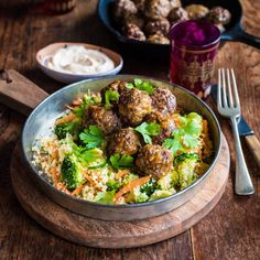Moroccan Meatballs with Spinach Couscous Salad and Spiced Sour Cream By Nadia Lim Quick Dinner Recipes, Quick Meals, Weeknight Meals, Cooking Recipes, Healthy Recipes, Mince Recipes, Healthy Food, Healthy Eating, Kitchens
