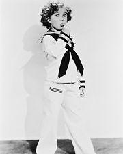 Shirley Temple en uniforme de marin noir et blanc Poster Print