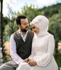 Muslim Brides, Muslim Girls, Muslim Couples, Muslim Women, Hijab Wedding Dresses, Hijab Bride, Wedding Couples, Cute Couples, Wedding Photos