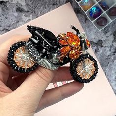 Stunning pin for your bikers jacket with Swarovski crystals! Swarovski Brooch, Beaded Brooch, Crystal Brooch, Swarovski Jewelry, Swarovski Crystals, Bead Embroidery Jewelry, Beaded Embroidery, Diy Lace Ribbon Flowers, Crystal Gifts