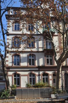 TOUCH dieses Bild: Myliusstr. in Frankfurt a.M. Einzigartig. SANDER & PARTNE... by Hans-Georg Heffe-Sander